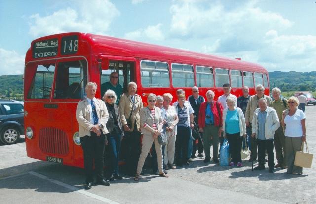 5545 with passengers & crew at Cheltenham