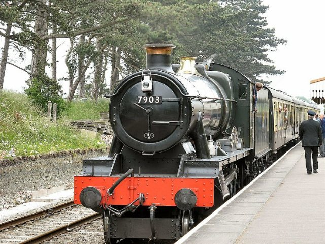 "GWR no 7903 ""Foremarke Hall"" bringing our train into Cheltenham Racecourse station"