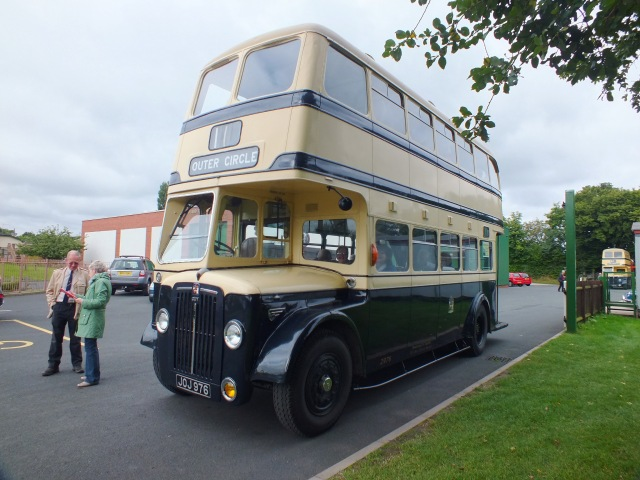 Waiting for the OFF at Wythall on the 20th with driver Phil & Pam [thanks to Keith Thursfield]