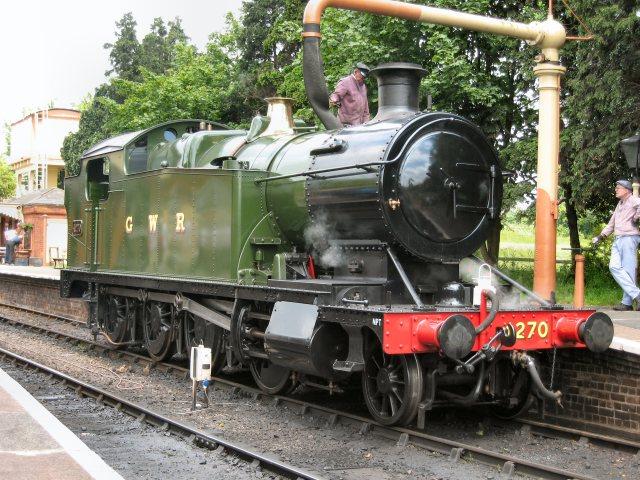4270 taking on water at Toddington [Nigel Collingwood]