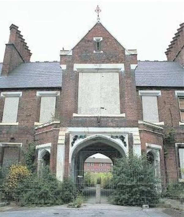 The Archway of Tears could be preserved as a meeting place and community asset. The Birmingham Conservation Trust has been engaged in finding a suitable use for the gatehouse. There is a very large and imposing room above the archway which could be used for events and conferences and there is a real need for a Community Hub in the deprived area around the hospital. Although the building was turned down for listing which means certain funding sources will not be available, The Birmingham Conservation Trust believe that the project should satisfy community requirements and stand a real chance of preservation as a community asset.