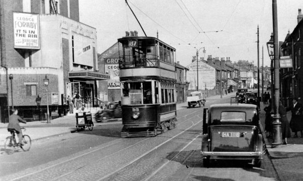 Tram no 93 on route 87 passing the Grove Cinema Handsworth in 1939.